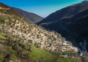 Iran authentique :  de la cité d'Ispahan aux villages de  Mer Caspienne